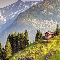 Пазл онлайн: Дом у гор