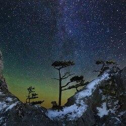 Пазл онлайн: Зимняя ночь в горах