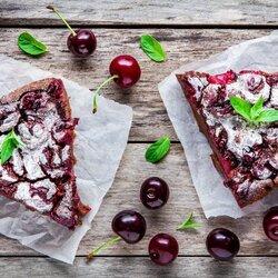 Пазл онлайн: Вишневый пирог