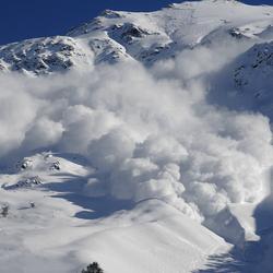 Пазл онлайн: Снежная лавина