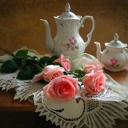 Пазл онлайн: Завтрак с розами