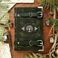 Пазл онлайн: Книга лесного странника (серебро)