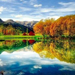 Пазл онлайн: Осень в отражении