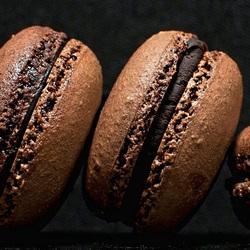 Пазл онлайн: Шоколадные макаруны