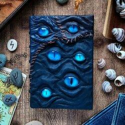 Пазл онлайн: Синий наблюдатель