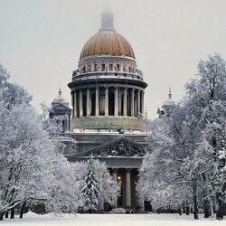 Пазл онлайн: В Александровском саду