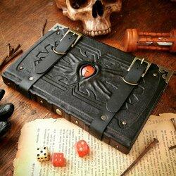 Пазл онлайн: Чёрная книга путешественника