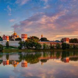 Пазл онлайн: Новоде́вичий Богородице-Смоленский монасты́рь