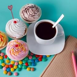 Пазл онлайн: Кофе с капкейками