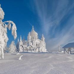 Пазл онлайн: Снежный храм