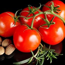 Пазл онлайн: Аппетитные томаты