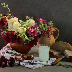 Пазл онлайн: Перекус при цветах