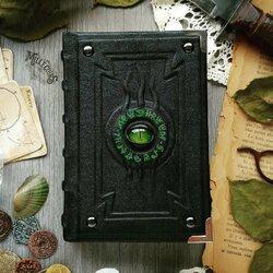 Пазл онлайн: Зеленоглазая книга алхимика