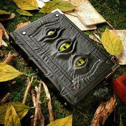Пазл онлайн: Трёхглазая болотная книга