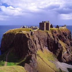 Пазл онлайн: Замок Данноттар, Шотландия