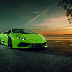 Пазл онлайн: Зелёное авто