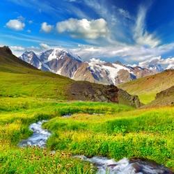 Пазл онлайн: Река в горной долине