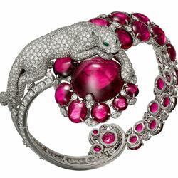 Пазл онлайн: Браслет с рубеллитами и бриллиантами