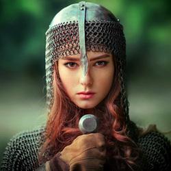 Пазл онлайн: Девушка-воин