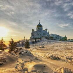 Пазл онлайн: Белая гора