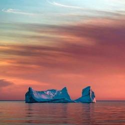 Пазл онлайн: Голубой айсберг