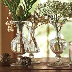 Пазл онлайн: Композиция со стеклянными вазами