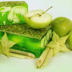 Пазл онлайн: Зелёное яблоко