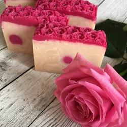 Пазл онлайн: Розовое мыло