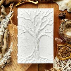 Пазл онлайн: Книга Белого Древа
