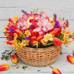Пазл онлайн: Корзина цветов