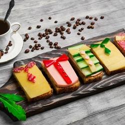 Пазл онлайн: Кофе с бутербродами