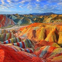 Пазл онлайн: Цветные горы в Китае