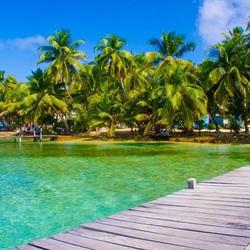 Пазл онлайн: Пирс на острове