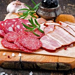 Пазл онлайн: Мясная нарезка