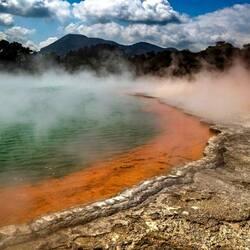 Пазл онлайн: Среди гейзеров и фумаролл Роторуа