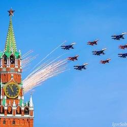 Пазл онлайн: В небе над Москвой