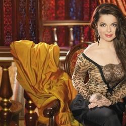 Пазл онлайн: Наташа Королева
