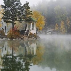 Пазл онлайн: Утро туманное