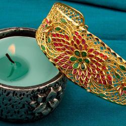Пазл онлайн: Браслет и свеча