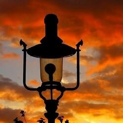 Пазл онлайн: Забавный уличный фонарь