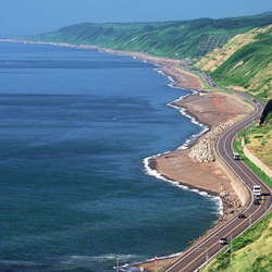 Пазл онлайн: Трасса вдоль моря