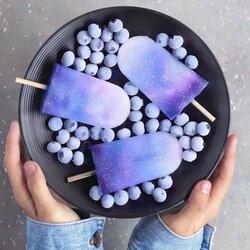 Пазл онлайн: Черничное мороженое