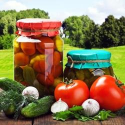 Пазл онлайн: Консервированные овощи