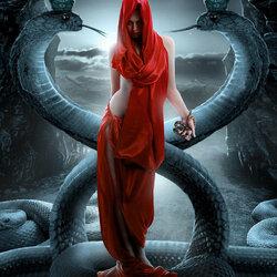Пазл онлайн: Девушка со змеей