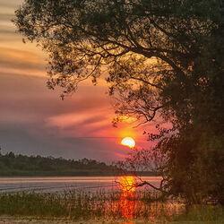 Пазл онлайн: Закат на озере