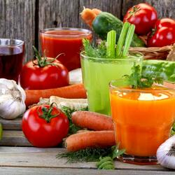 Пазл онлайн: Свежевыжатые овощные соки