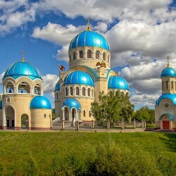 Пазл онлайн: Храм Живоначальной Троицы