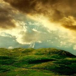 Пазл онлайн: Солнце в облаках