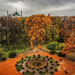 Пазл онлайн: Губернаторский сад в Ярославле