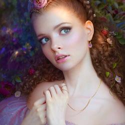 Пазл онлайн: Малиновая фея